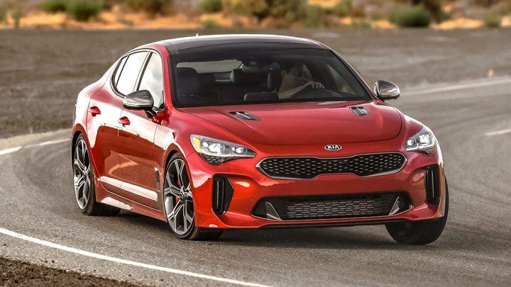 Známe deset aut, která se v budoucnu stanou ceněnou klasikou. Překvapením jsou Kia i Honda
