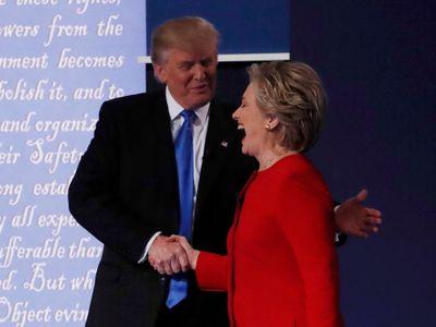 Největší mýty voleb v USA. Kam Clintonová nikdy nepojede a proč ona i Trump stojí jen o pětinu hlasů