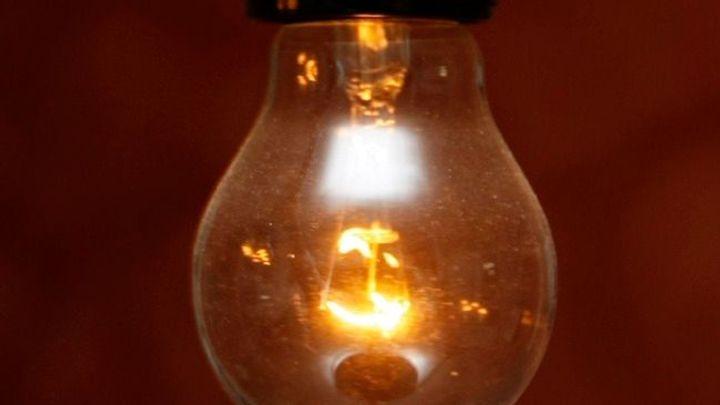 Spotřeba elektřiny v domácnostech loni mírně rostla