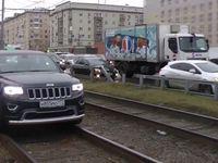 Ruská zlatá mládež děsí obyvatele Moskvy. Závodí, kdo srazí víc lidí a nabourá víc aut