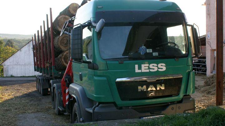 Firma Less & Forest je v konkurzu, 300 lidí přijde o práci