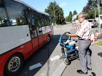 Policisté v Úvalech u Prahy odhalili opilého řidiče autobusu, hrozí mu rok vězení