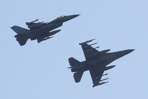 USA offered F-16 jets to Czech Republic, with no response