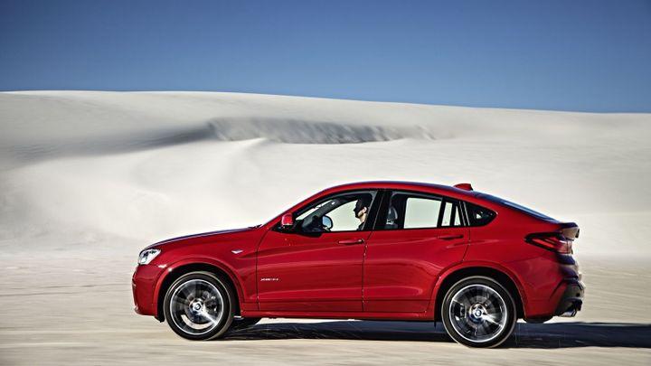 BMW prodává další X model. X4 stojí 1 240 000 Kč