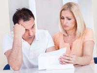 Kdo chce řešit dluhy, nedostává šanci. V Česku jdou vyhledat jen úvěry a exekuce
