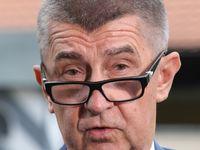 Podle Babiše míří Česko k rekordnímu přebytku rozpočtu v historii, ekonomové ale nadšeni nejsou