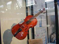 Ruští celníci zabavili českému virtuózovi vzácné housle za pět milionů korun