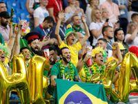 Ruská kráska nadšeně skandovala s Brazilci. Netušila, že ji urážejí, skandál urovnávalo ministerstvo