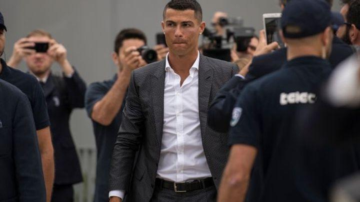 Šílenství v Turíně. Ronaldo dorazil na sever Itálie, Juventus na večer chystá velkolepou show