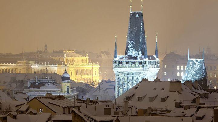 Hotel v Praze už brzy přijde na 2000 korun, předpovídá PwC