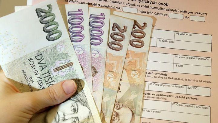 O daňovou slevu přijdou důchodci i letos, potvrdil úřad
