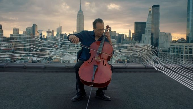 Žádné Rudolfinum. Slavný violoncellista Yo-Yo Ma v Praze zahraje na plovoucí scéně