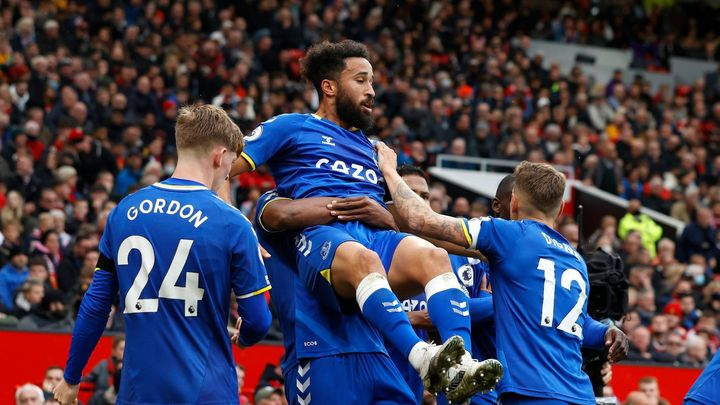 Manchester United po šlágru Ligy mistrů ztratil, proti Evertonu získal jen bod; Zdroj foto: Reuters
