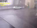 Nové záběry ukazují tragédii v Janově. Kamery zachytily pád dálničního mostu