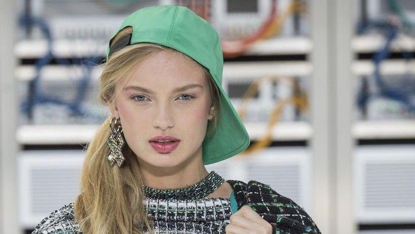 b10a960a42d Jaké trendy představili návrháři na fashion weeku v Paříži  Prohlédněte si  naši velkou francouzskou galerii.