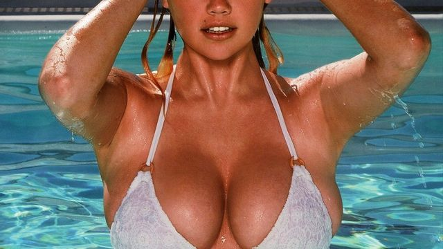 Kate Upton na obálce Sports Illustrated Swimsuit 2014