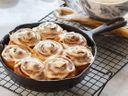 Gastronomické trendy, které zažívají boom: Izraelská kuchyně a skořicoví šneci