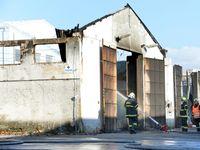 Hala u Prahy hořela asi kvůli závadě, hasiči vyloučili úmyslné založení i nedbalost