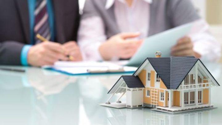 """Levnou hypotéku si teď snadněji """"pojistíte"""" i na deset let"""