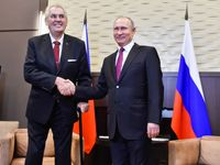 Zeman zrazuje české zájmy. Čas na žalobu pro velezradu