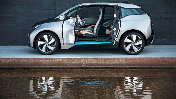 Elektromobilů je 400 000. Klasických aut ale vyrobí 20x více