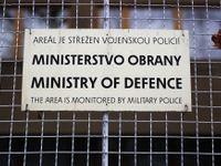 Šlechtová odstaví strážce armádních počítačů hájícího sovětskou okupaci. Už nebude řešit bezpečnost