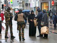 Živě: V Belgii obviněn šestý člověk v souvislosti s atentáty v Paříži. Francie omezila lidská práva
